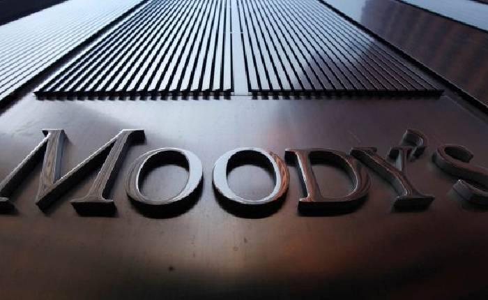 baja calificación de Moody's