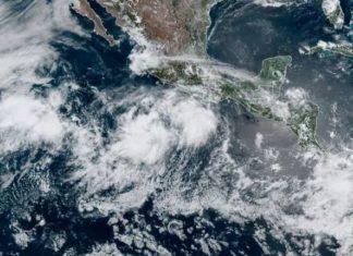Conagua alerta por tormenta Cristina, se prevé que pase a huracán