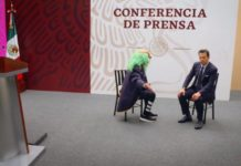 """¡Insólito! Brozo y Loret de Mola se presentan en """"la mañanera"""" de AMLO (Video)"""