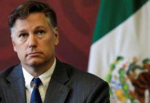 """Embajador de EU en México llama a trabajar """"hombro con hombro"""" contra la delincuencia"""