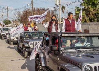 Morena hace campaña en Jeeps