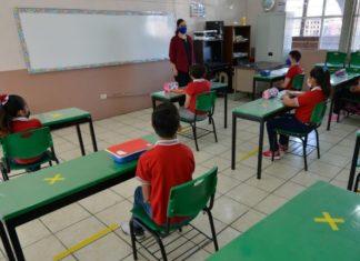 alumnos Covid-19 escuelas CDMX