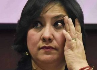 Eréndira Sandoval pide autocrítica