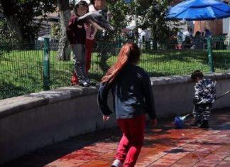 menor limpiando la sangre de dos personas asesinadas en Zacatecas