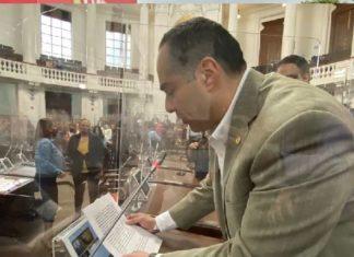 Diputado panista ofrece disculpas por violentar a legisladora de Morena